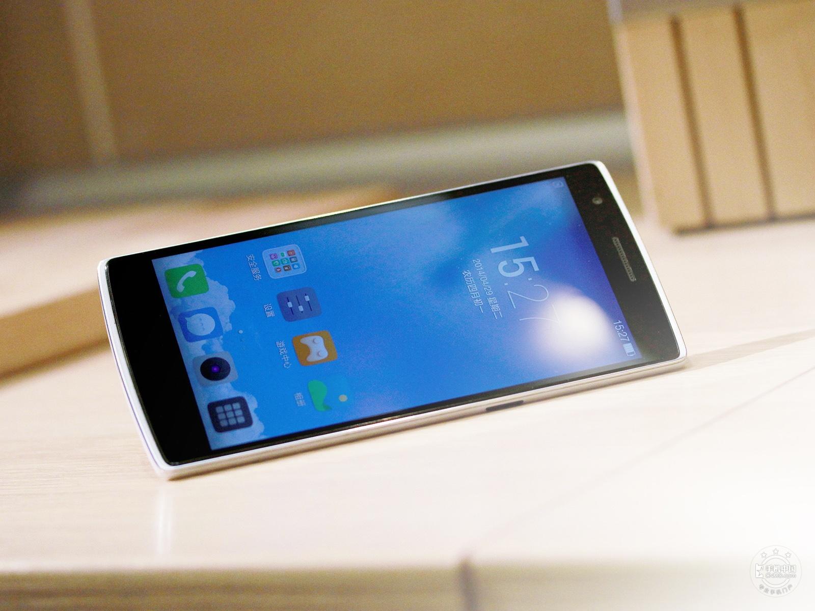 一加手机(64GB/移动版)整体外观第1张