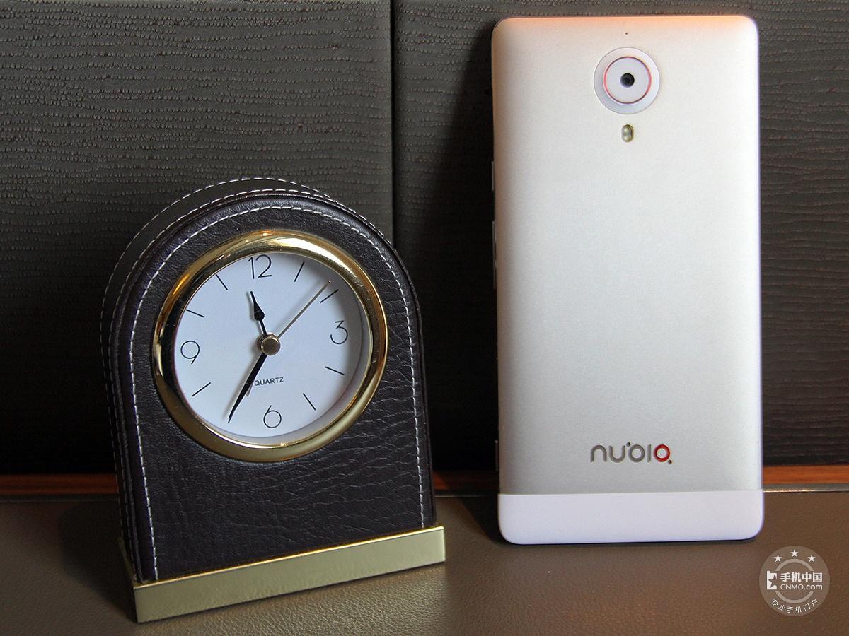 努比亚X6(128GB)整体外观第2张