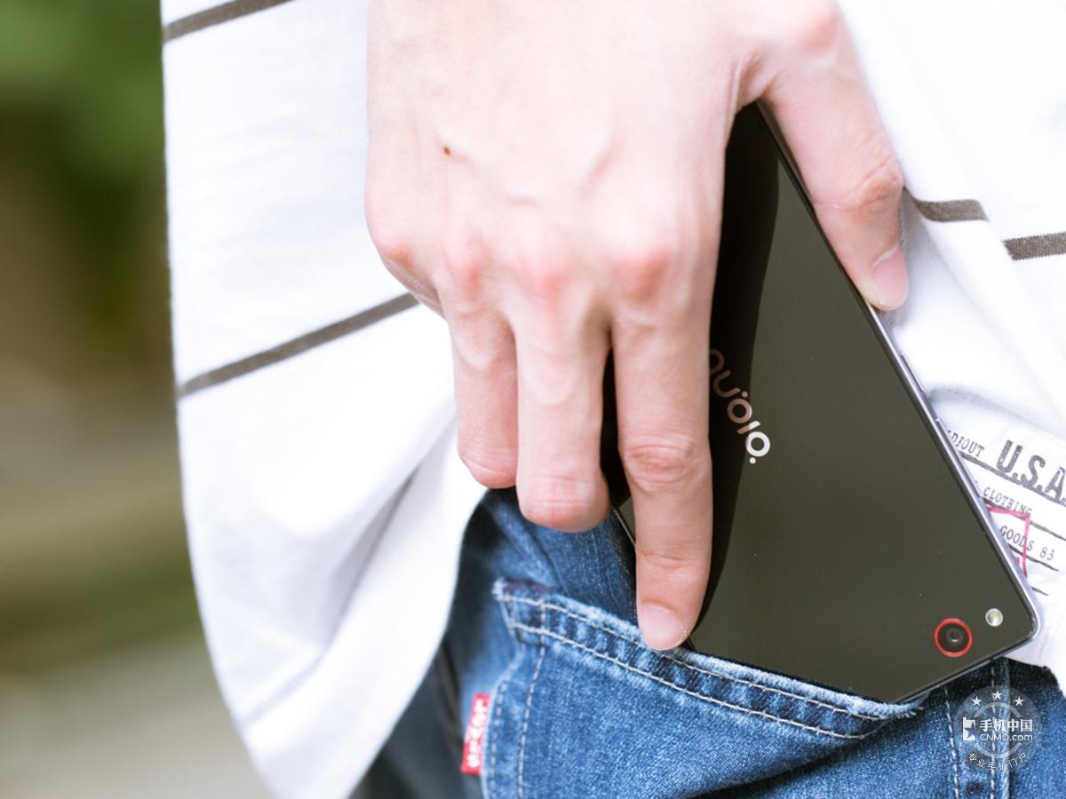 努比亚Z9Max(全网通)时尚美图第1张