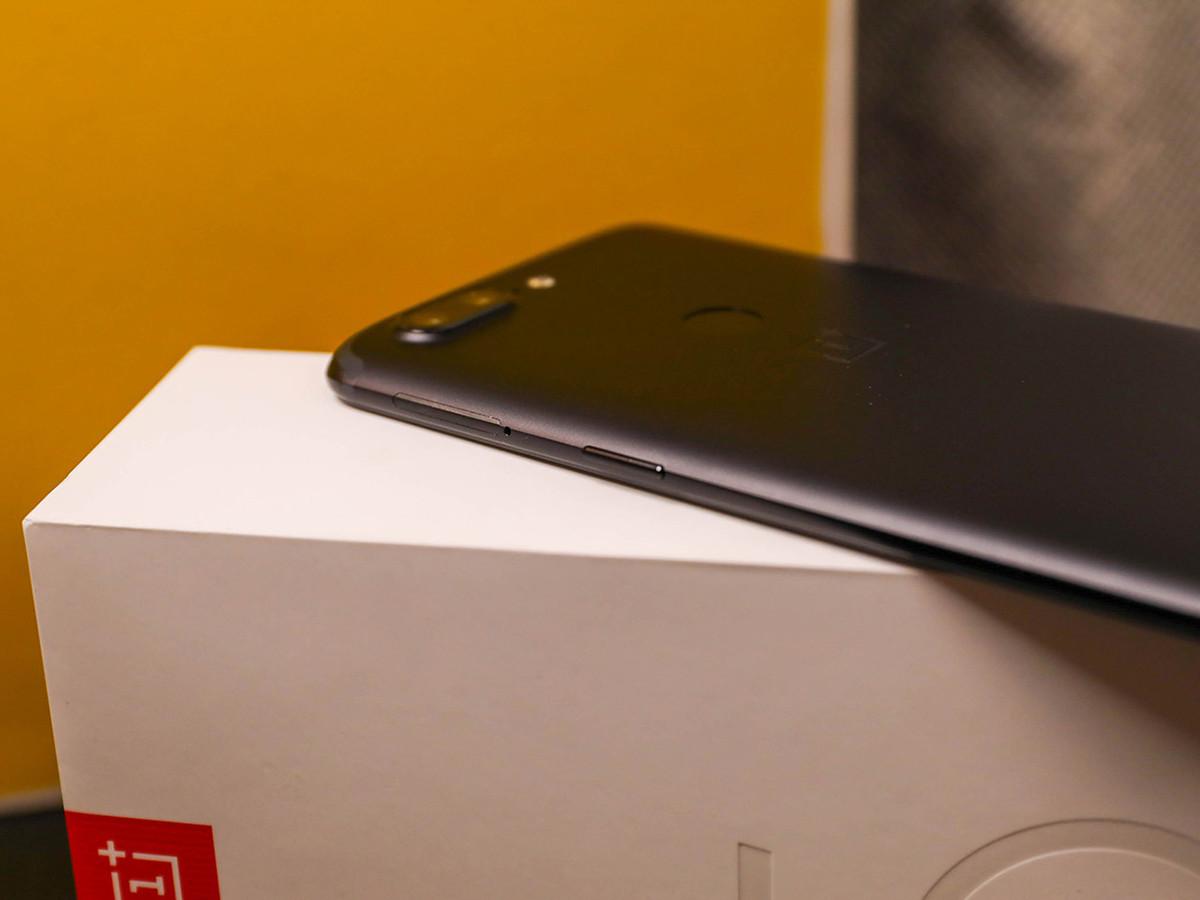 一加手机5T(128GB)机身细节第5张
