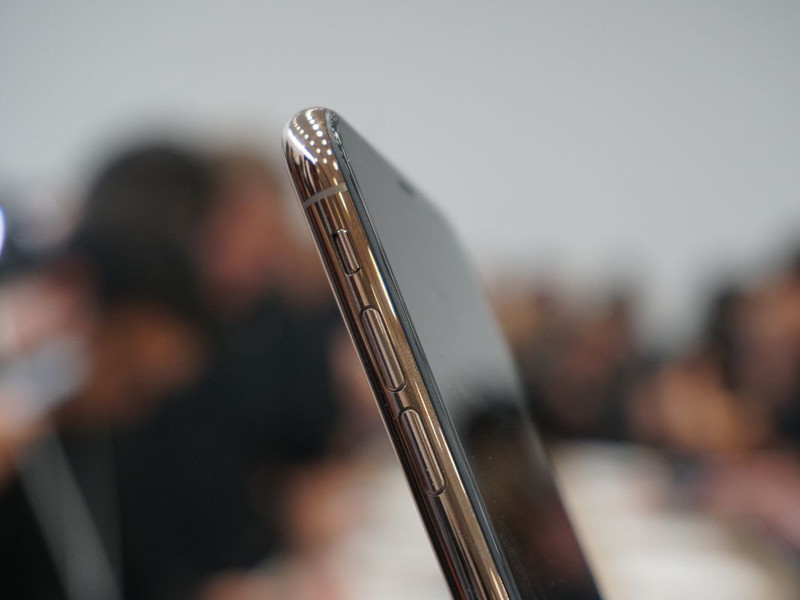 苹果iPhoneXS(512GB)机身细节第2张