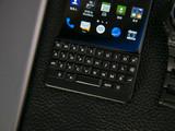 黑莓KEY2(64GB)机身细节第2张图
